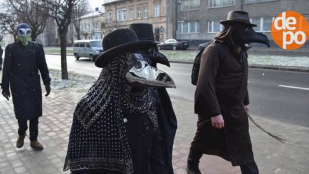 Поліція оштрафувала 192 українця за перший день посиленого карантину