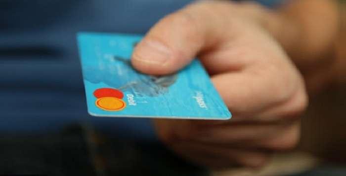 Кто может оформить кредиты онлайн на карту без отказа