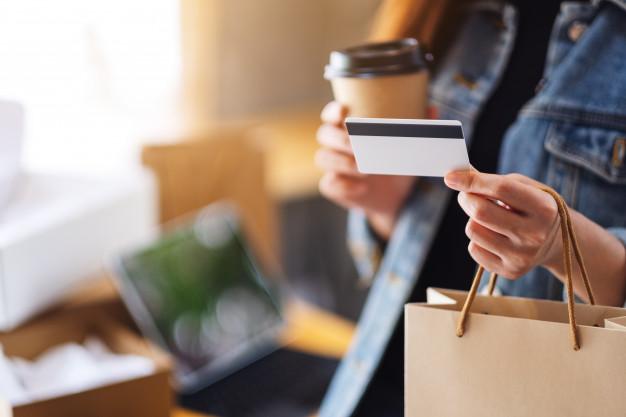 Кому и почему выгодны кредиты онлайн на карту без отказа?