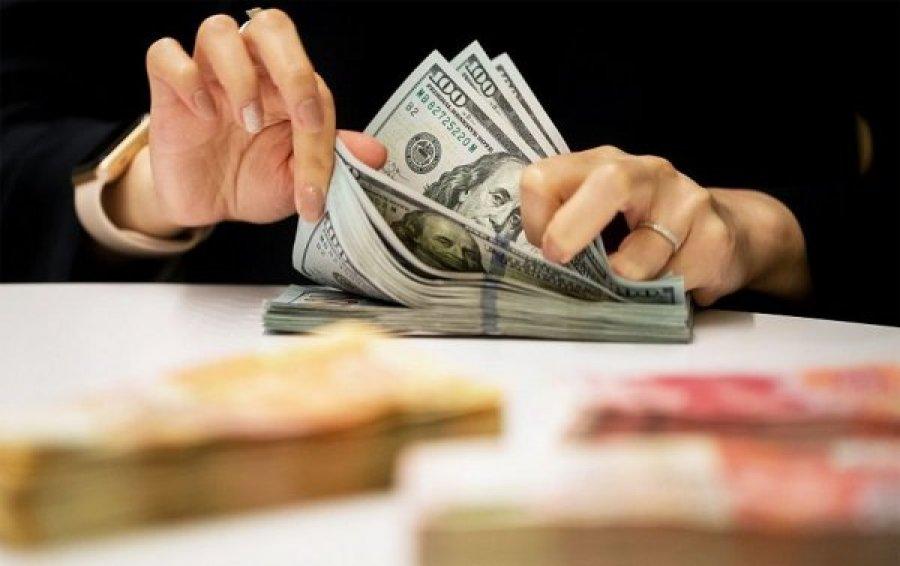 В интернете активизировались мошенники, предлагающие украинцам работу по осуществлению денежных переводов