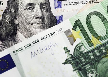 Доллар впервые за семь лет потерял статус валюты №1 в системе международных платежей